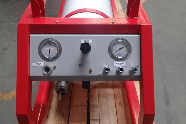 Sistema de acumulación de aire respirable con tres líneas de aire, para trabajos en espacios confinados.